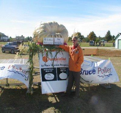 2004 World Pumpkin Record 1446 pounds--Al Eaton