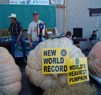 2005 World Pumpkin Record 1469 pounds--Larry Checkon