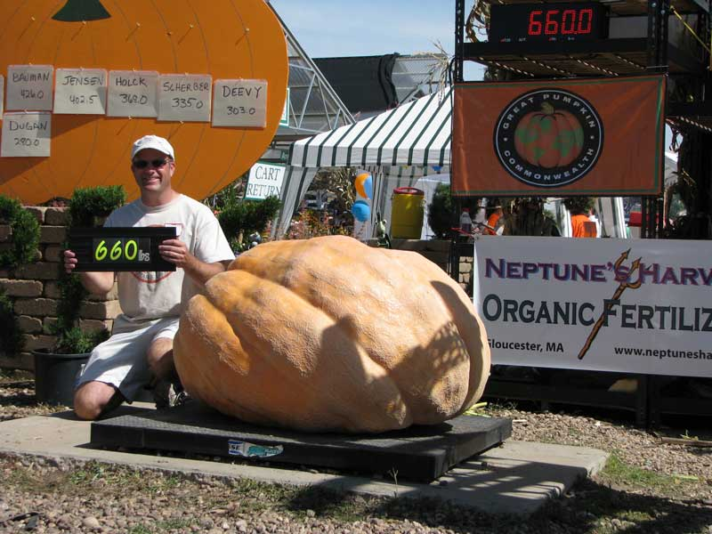 Andy showing is Giant Pumpkin